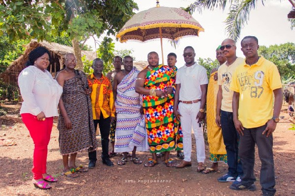 Chief of Kunsu gifts Gov't 300 acres of land to construct film village