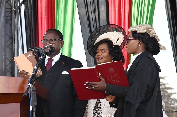 Lazarus Chakwera sworn in